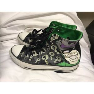 7126e5840e44 Converse Shoes - DC comics The Riddler   Converse hi tops w 7 m 5